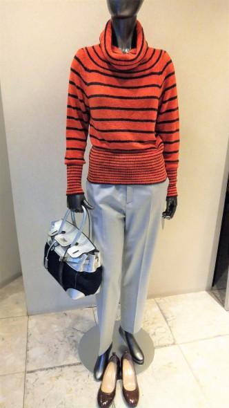 ニットやスカート・パンツが新しく入荷してきました♪Coombオレンジボーダーニット&SANDRO FERRONEコート